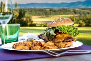 Burger-Aktion-greens-restaurant-golfplatz-kematen